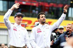 Max Verstappen, Red Bull Racing RB12, et Daniel Ricciardo, Red Bull Racing RB12