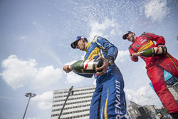 Race winner Sébastien Buemi, Renault e.Dams and second place Daniel Abt spray champagne on the podium
