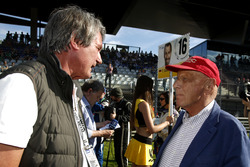 Herrman Tomczyk (GER) ADAC Sport Director and Niki Lauda (AUT) Mercedes Non-Executive Chairman. 21.