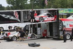 Action Express Racing descarga sus autos