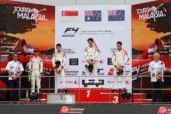 Podium: ganador, Jordan Love, segundo, Danial Nielsen Frost, tercero Faine Kahia