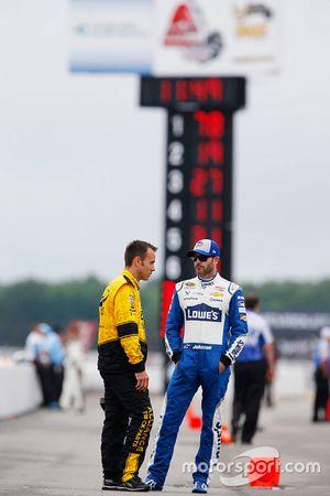 Brad Keselowskis Crewchief Paul Wolfe; Jimmie Johnson, Hendrick Motorsports, Chevrolet