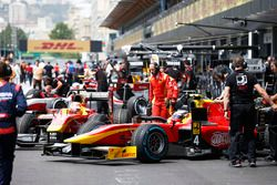 In der Boxengasse: Norman Nato, Racing Engineering; Jordan King, Racing Engineering