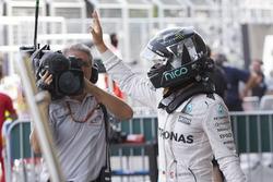 Le poleman Nico Rosberg, Mercedes AMG F1