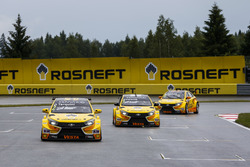 Gabriele Tarquini, LADA Sport Rosneft, Lada Vesta; Hugo Valente, LADA Sport Rosneft, Lada Vesta; Nicky Catsburg, LADA Sport Rosneft, Lada Vesta