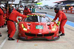 #82 Risi Competizione, Ferrari 488 GTE: Giancarlo Fisichella, Toni Vilander, Matteo Malucelli