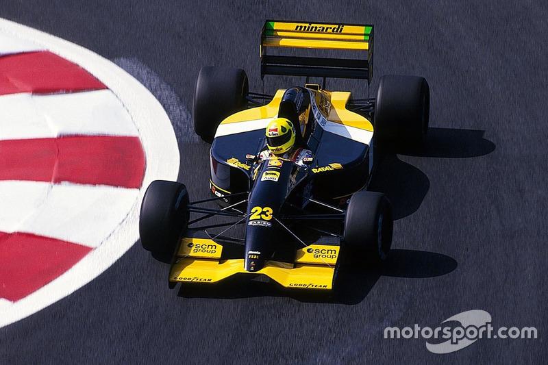 O título da F3000 abriu as portas para a Fórmula 1 em 1992, pela Minardi. Já em sua primeira temporada ele conquistou seu primeiro ponto, com um sexto lugar no GP do Japão