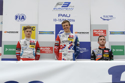 Подиум: Бен Барникот, HitechGP Dallara F312 – Mercedes-Benz, Никита Мазепин, HitechGP Dallara F312 –