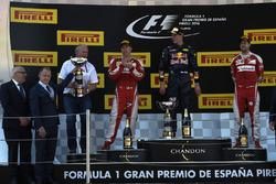 The podium: race winner Max Verstappen, Red Bull Racing, second place Kimi Raikonnen, Scuderia Ferra
