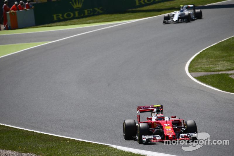 ...Kimi Räikkönen. Sim, o 'homem de gelo', que chegou em segundo, assumiu a vice-liderança do campeonato, com 61 pontos.