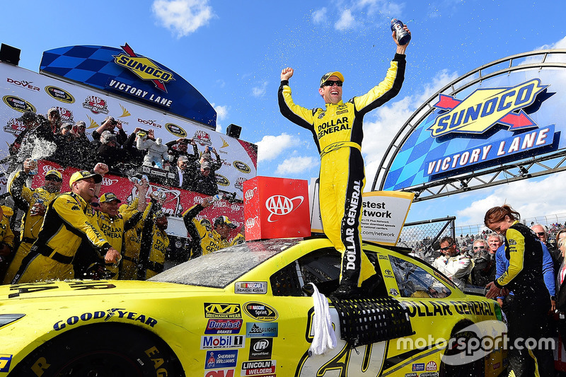 6. El ganador de la carrera, Matt Kenseth, Joe Gibbs Racing Toyota