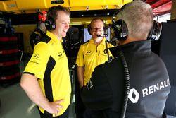 Renault Sport F1 Team engineers
