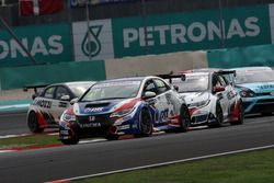 Tin Sritrai, Honda Civic TCR, Team Thailand and Kevin Gleason, Honda Civic TCR, West Coast Racing