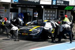 Pit stop Paul Di Resta, Mercedes-AMG Team HWA, Mercedes-AMG C63 DTM