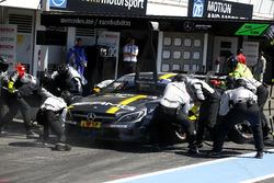Pit stop Paul Di Resta, Mercedes-AMG Team HWA, Mercedes-AMG C63 DTM