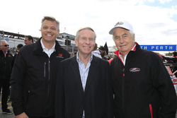 Colin Barnett, West Australian Premier with James Warburton, Supercars CEO and Roger Penske