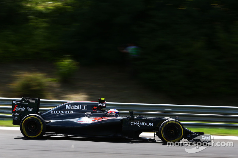 8. Jenson Button, McLaren MP4-31