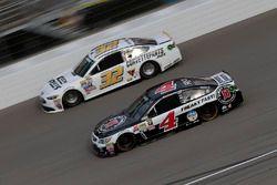 Kevin Harvick, Stewart-Haas Racing Chevrolet, Jeffrey Earnhardt, Go Green Racing Ford