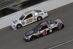 Kevin Harvick, Stewart-Haas Racing, Chevrolet; Jeffrey Earnhardt, Go Green Racing, Ford
