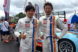 #9 Gulf Racing with Pacific, Porsche 911: Ryohei Sakaguchi, Hiroki Yoshida
