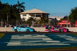 Fabian Coulthard, Team Penske, Ford; Michael Caruso, Nissan Motorsports