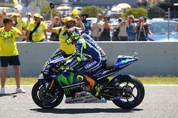 Ganador, Valentino Rossi, Yamaha Factory Racing con aficionados