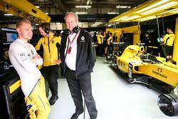 Kevin Magnussen, Renault Sport F1 Team avec Jérôme Stoll, Président de Renault Sport F1