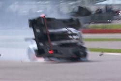 Brendon Hartley vuelca y abandona las 6h de Silverstone