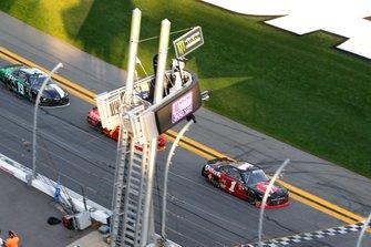 Michael Annett, JR Motorsports, Chevrolet Camaro Chevrolet Pilot Flying J / American Heart Association drives under the checkered flag to win
