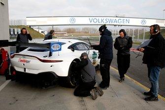 #99 PROpeak Performance Aston Martin Vantage GT3: Maxime Martin, Daniel Keilwitz