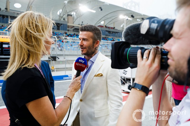 David Beckham habla con Rachel Brookes, Sky TV