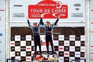 Подиум: Тьерри Невилль, Николя Жильсуль, Hyundai Motorsport Hyundai i20 Coupe WRC