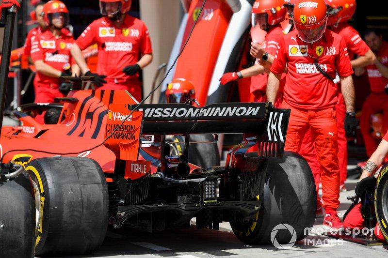 Ferrari pit ekibi