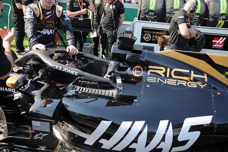 Detalle de la cabina del Haas F1 Team VF-19