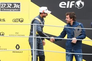 Podium: third place Kush Maini, M2 Competition with Fernando Alonso