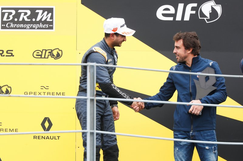 Podio: il terzo classificato Kush Maini, M2 Competition con Fernando Alonso