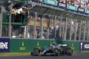 Yarış galibi Valtteri Bottas, Mercedes AMG W10