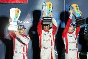 Podium GTLM Aa: #54 Spirit of Race Ferrari 488 GTE: Thomas Flohr, Francesco Castellacci, Giancarlo Fisichella