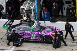 #71 P1 Motorsports Mercedes-AMG GT3, GTD: Maximilian Buhk, Fabian Schiller, Dominik Baumann, JC Perez, Pit Stop