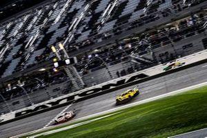 Дирк Мюллер, Джой Хенд, Себастьен Бурдэ, Chip Ganassi Racing, Ford GT (№66), Оливер Гэвин, Томми Милнер, Марсель Фесслер, Corvette Racing, Chevrolet Corvette C7.R (№4)