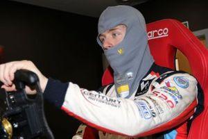 Jack Mitchell, Walero yarış tulumunu test ediyor
