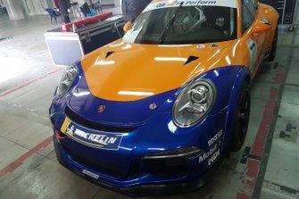 Porsche Promodrive nel garage