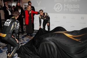 Romain Grosjean, Haas F1 Team and Kevin Magnussen, Haas F1 Team unveil the Haas Livery