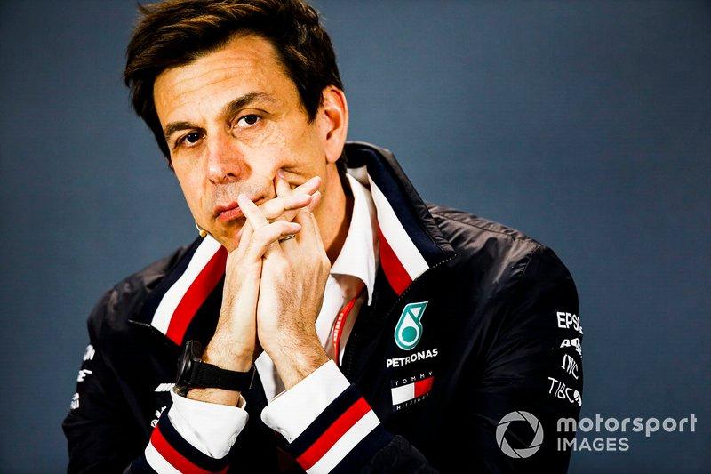 Руководитель Mercedes AMG Тото Вольф