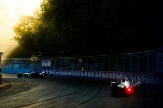 Felipe Massa, Venturi Formula E, Venturi VFE05 follows Mitch Evans, Jaguar Racing, Jaguar I-Type 3
