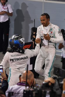 Lewis Hamilton, Mercedes AMG F1, 1st position, celebrates with Valtteri Bottas, Mercedes AMG F1, 2nd position, in Parc Ferme