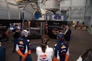 Гонщики Repsol Honda Team Марк Маркес и Хорхе Лоренсо
