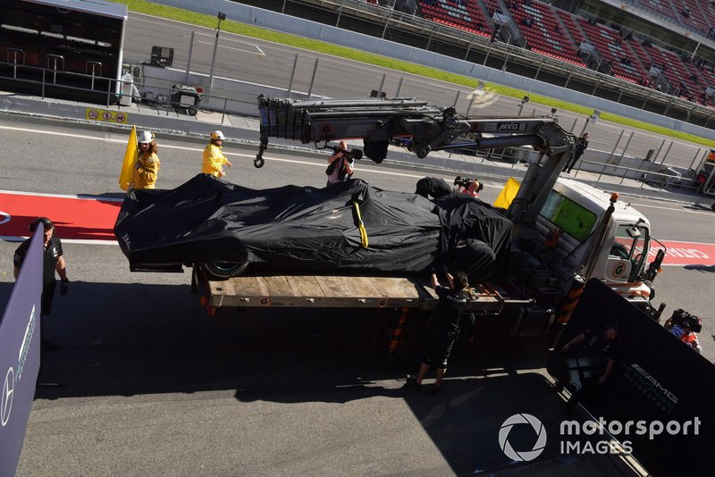 The of Valtteri Bottas, Mercedes-AMG F1 W10 is recovered to the pits