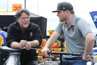 Michael Andretti talks with Conor Daly