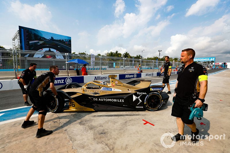 Andre Lotterer, DS TECHEETAH, DS E-Tense FE19, is pushed into the garage by mechanics